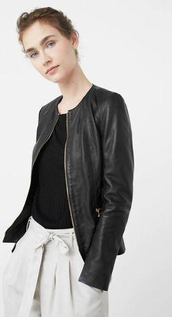Женская кожаная куртка mango размер xs