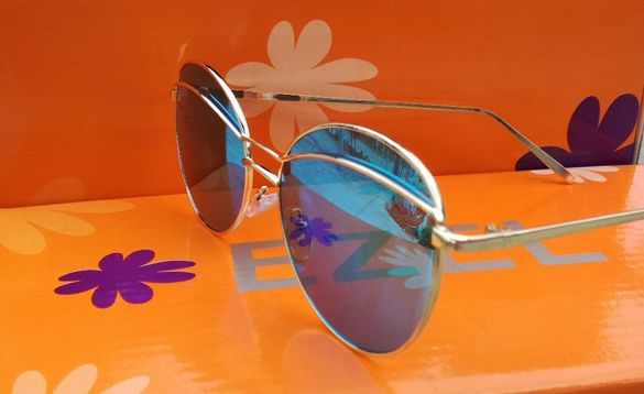 Слънчеви очила + подарък калъф