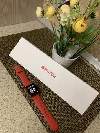 Женский  Apple Watch 6 серия 40мм Б/у