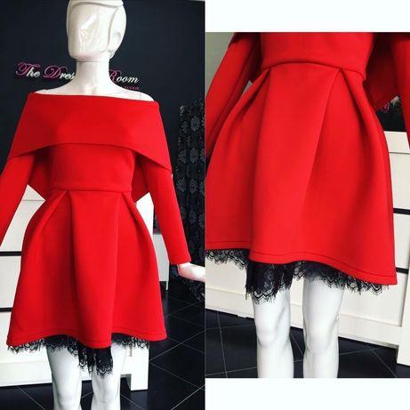Rochie roșie atelier dressing room