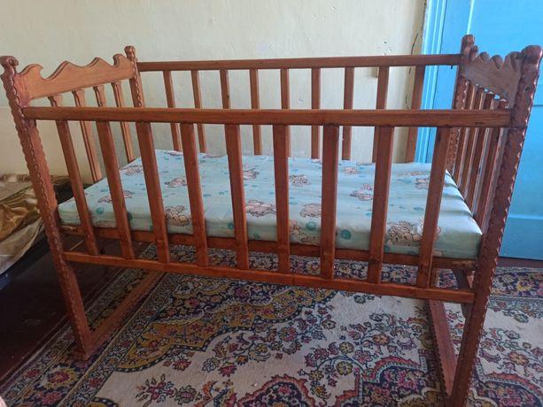 Продам диван и кроватку детскую