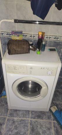 Продаю холодильник и стиральную машину