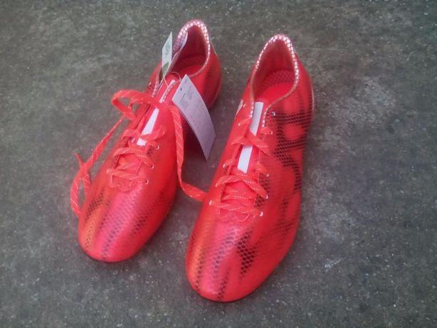 Ghete de fotbal Adidas F10