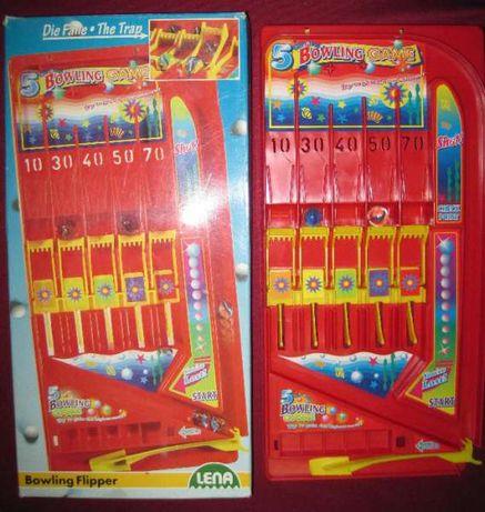 Игри за деца, пъзели, домино, мини боулинг, комплект мъниста, игри