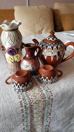 Ваза за цветя и сервиз за кафе