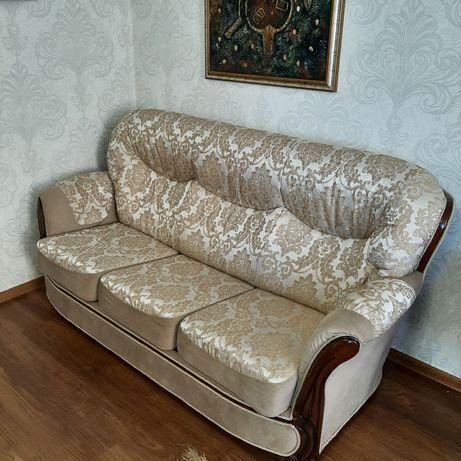 Продам диван в комплект 3-ка.