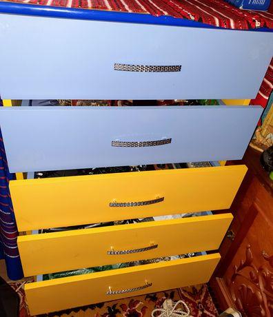 Camera copii, Dulap 2 usi,comoda 5 sertare ,dulap turn carti
