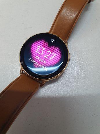 Продам смарт часы Galaxy Watch Active 2