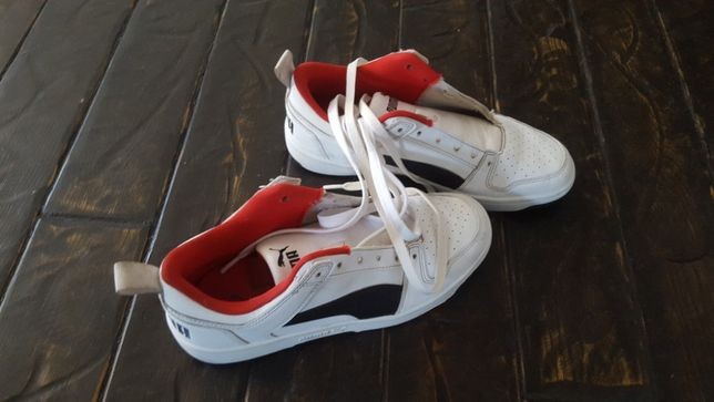 Adidasi puma marimea 39 pentru un baietel