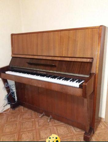 Пианино б/у в хорошем состоянии