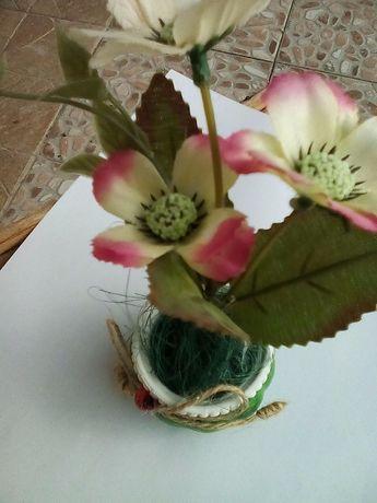 Делвички с изкуствени цветя