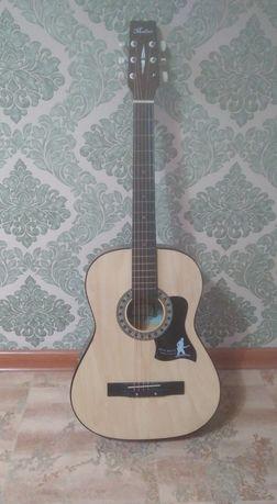 Продам гитару, почти новая, в отличном состоянии