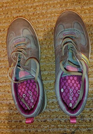 Обувки Ecco 35