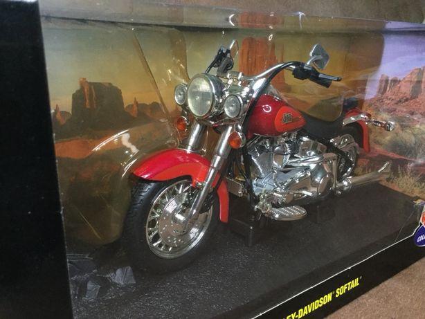 """Коллекционная модель """"Harley-Davidson"""" 1:10"""