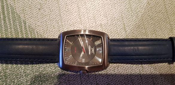 Часовник CARRERA