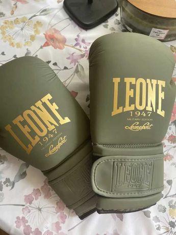 Профессиональные боксерские перчатки Leone