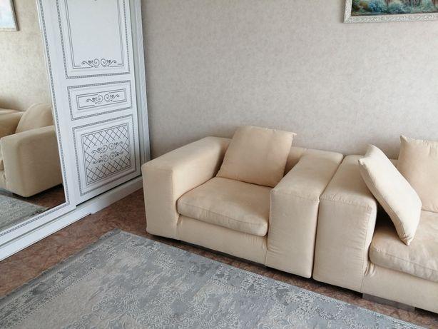 Диван и кресло. Италия