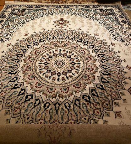 Продам ковры 2.5х4