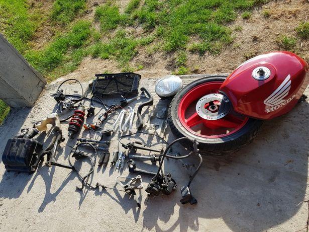 Dezmembrez Honda CBR 600 F1PC23