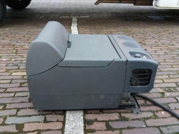 Frigider congelator auto 12v si 24v ,camion Man original,