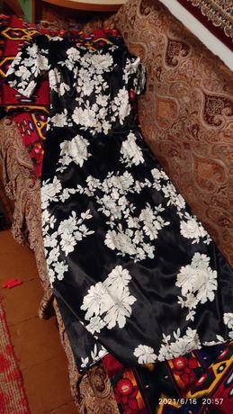 Продаю платье , новое ни раз не одевала, подарили размер не подошёл