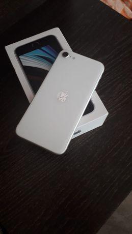 Продам iphone se 2020 gb128