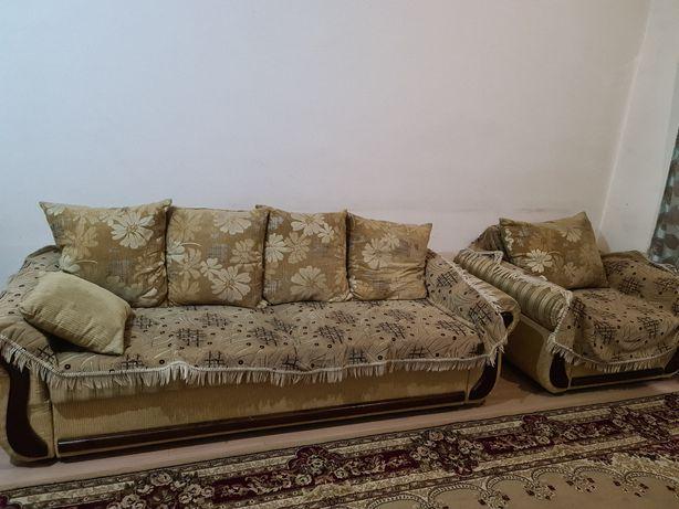 Диван, софа и кресло.
