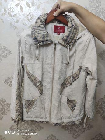 Женская куртка осенняя размеп 48 50