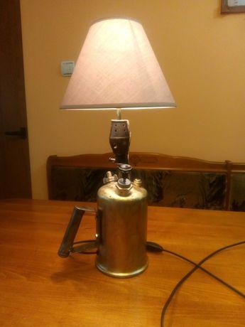 Странна нощна лампа. Нощна лампа от Бензинова горелка.