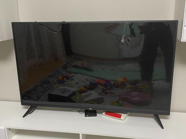Продам телевизор сломанный