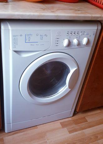 Mașină de spălat Indesit cu uscător