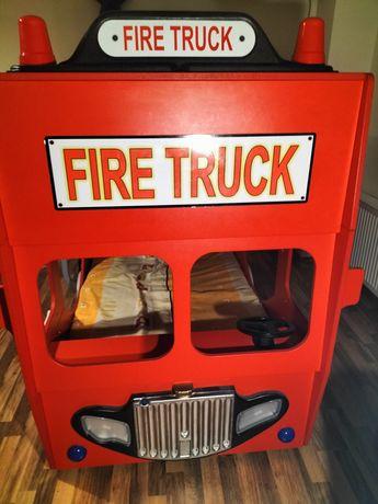 Pat copii supraetajat mașină pompieri