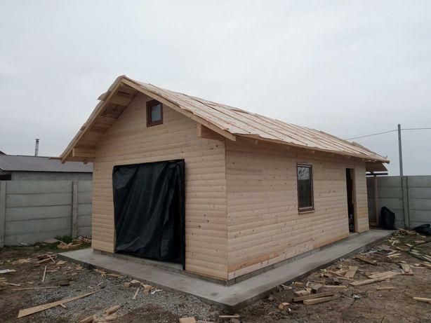 Garaj din lemn si case