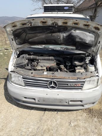 Dezmembrez Mercedes Vito 108 cdi