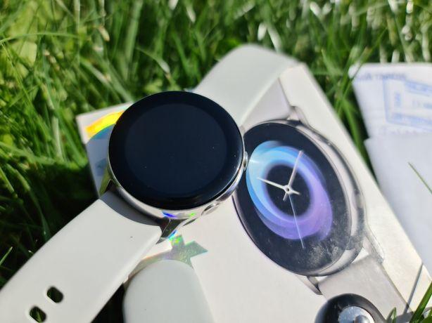 Samsung Galaxy Watch Active(смарт часы)