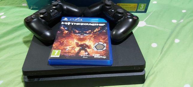 PS4 SLIM 1 TB cu 2 manete cu cutie NEMODAT + joc gratis