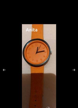 Продавам ръчен часовник