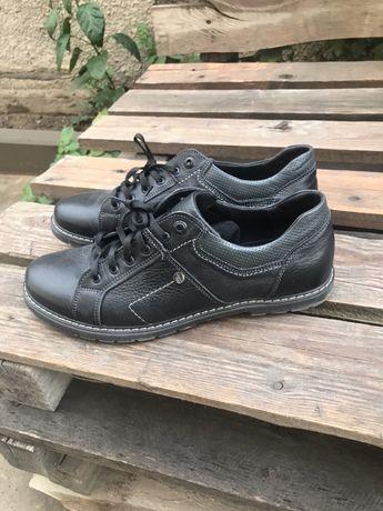 Продам итальянские весенние туфли