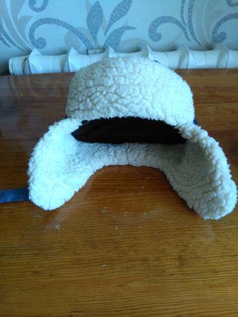 Зимняя шапка из непромокаемого материала
