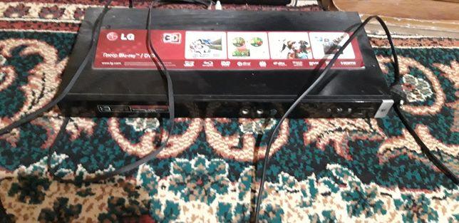 Продам ДВД марки LG