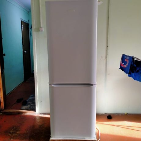 Холодильник в хорошем состоянии новый