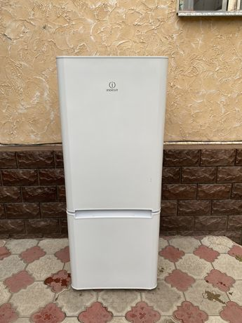 Холодильник Indesit+доставка