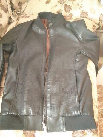 Продам 2 куртки по низкой цене