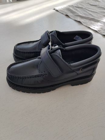 Vand papuci , pantof piele pt scoala