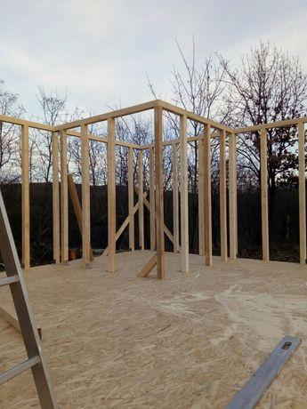 Case pe structura de lemn de vânzare