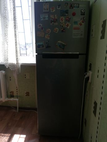 Продается холодильник самсунг