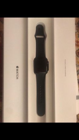 Продам Apple Watch 3 series