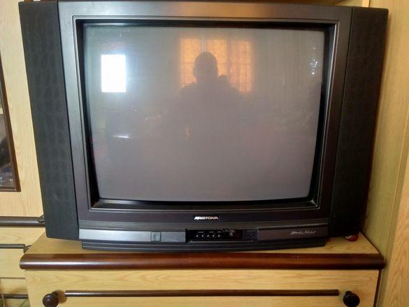 Продавам стар телевизор НЕ РАБОТИ( може и за части ) марка ARISTONA