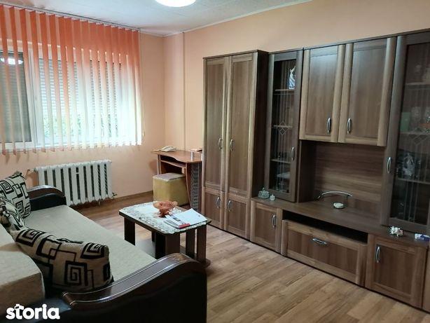 Apartament de inchiriat cu 3 camere Dupa Zid