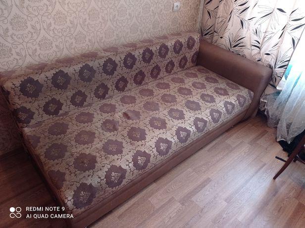 Продам диван. В хорошем состоянии